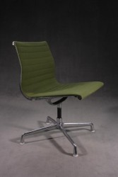 "Bürostuhl ""Eames Alu Chair EA105"""