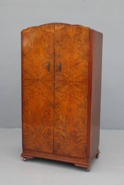 Kleiner Kleiderschrank Art Deco