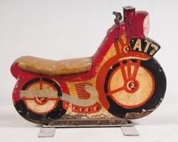 Altes Karussel-Motorrad