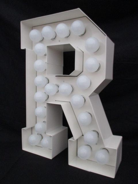 """Leuchtbuchstabe """"R"""""""