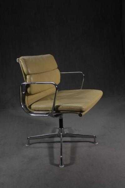 "Bürostuhl ""Eames Alu Chair EA208"""