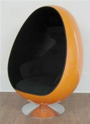 "Drehsessel ""Egg Chair"""